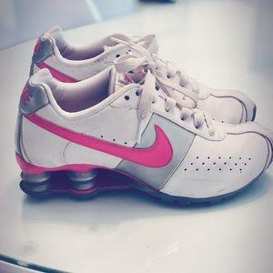 Women's Nike Shox sneakers size 6